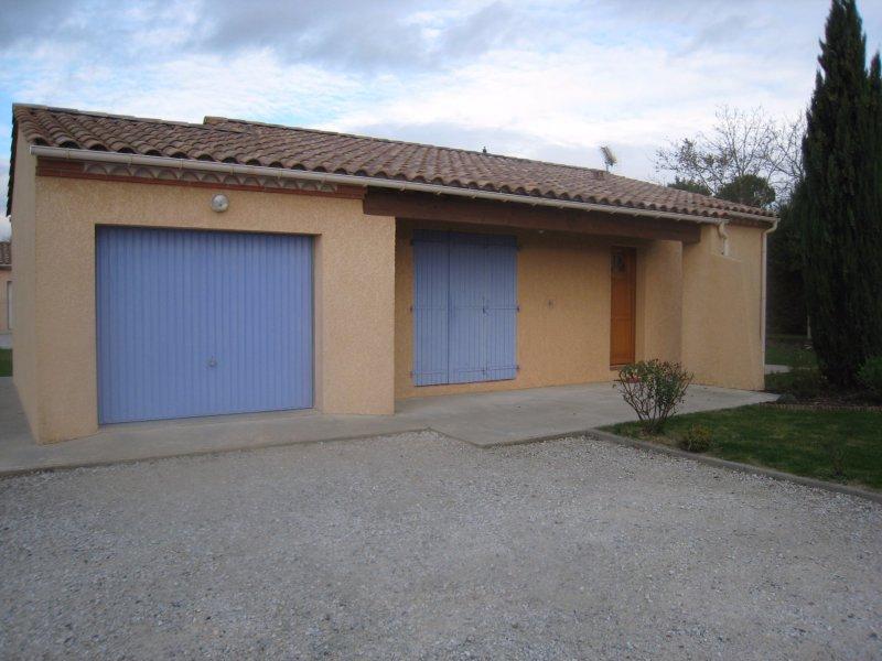 Location labastide d 39 anjou for Assurance pno garage