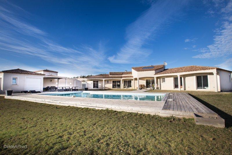 Vente villa de plain pied carcassonne for Assurance pno garage